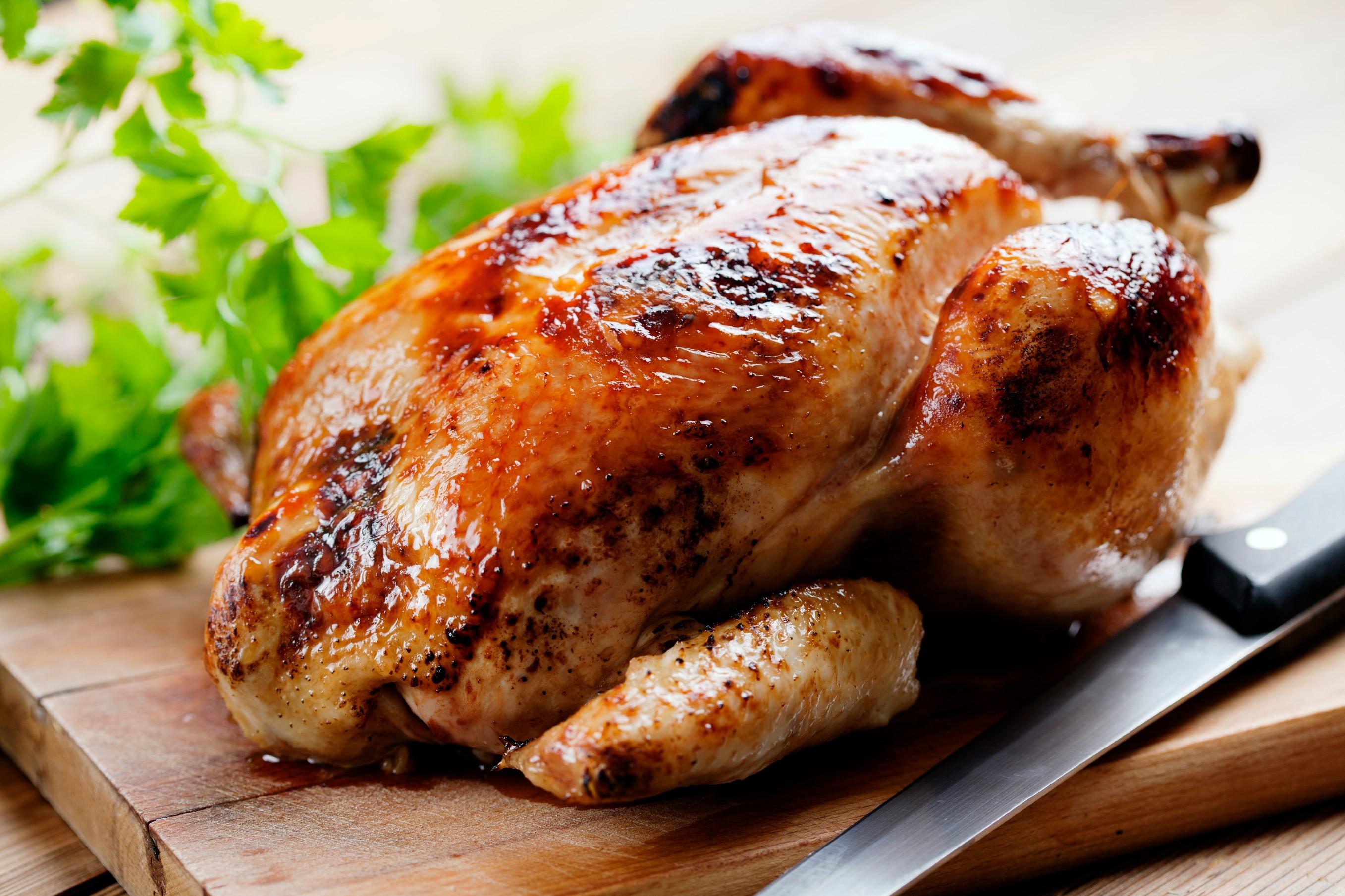 Poulet r ti comment le r ussir caf dellastazione - Comment cuisiner les blancs de poulet ...